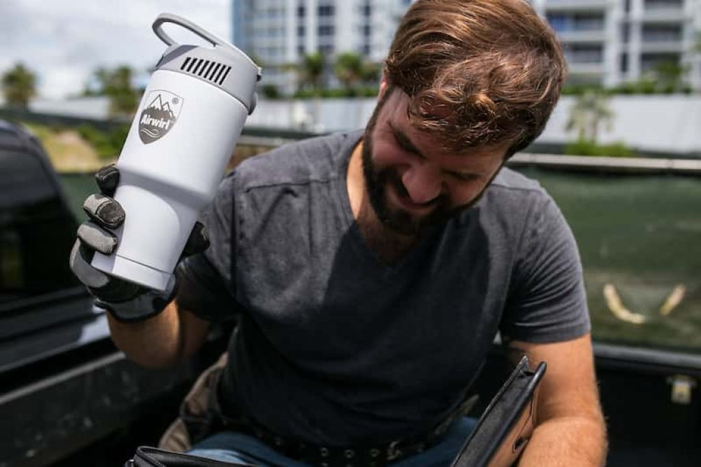 This mug is a portable air conditioner