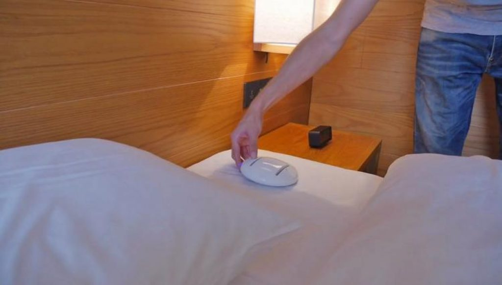 A Robot that cleans your bedsheets