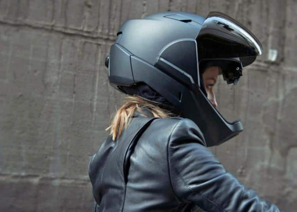 This helmet gives you 360 degrees of vision