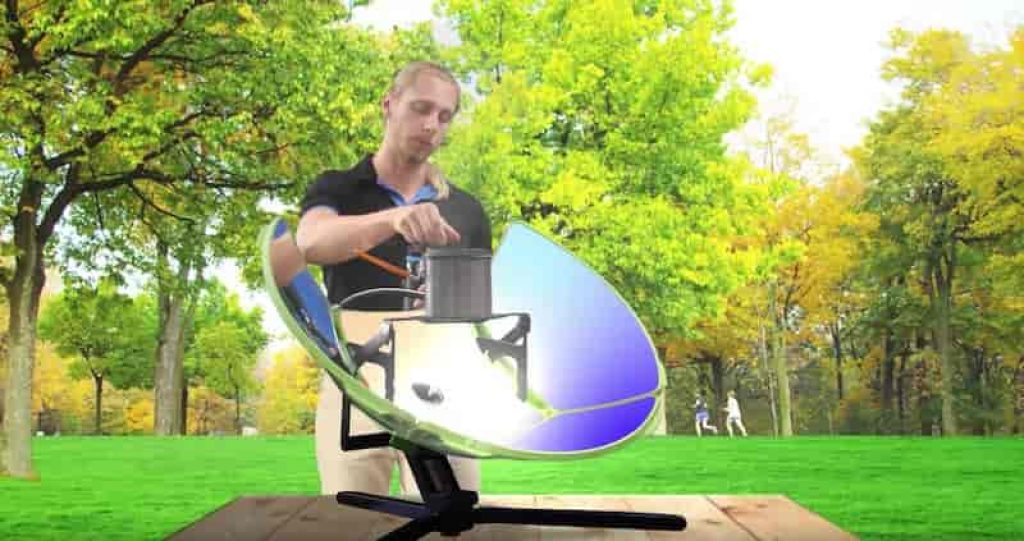 This grill uses the sun's energy to cook food.